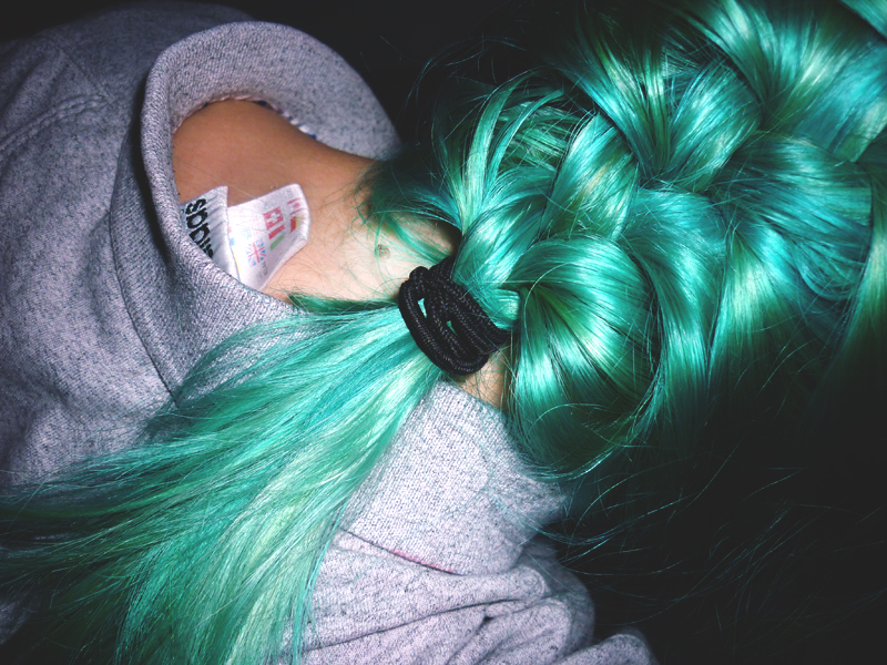 review manic panic atomic turquoise. Black Bedroom Furniture Sets. Home Design Ideas